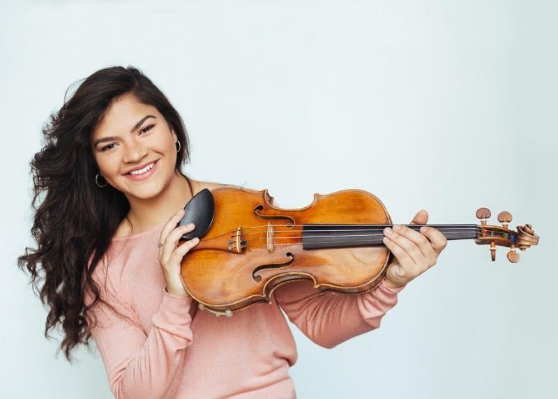 Dalina Ugarte (Violine) (© Foto: Maria Noisternig)