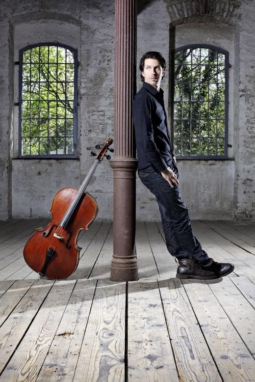 Matthias Bartolomey (Violoncello) (© Foto: Teresa Zötl)