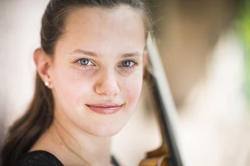 Sophie Druml (Violine) (© Foto: Daniela Matejschek)