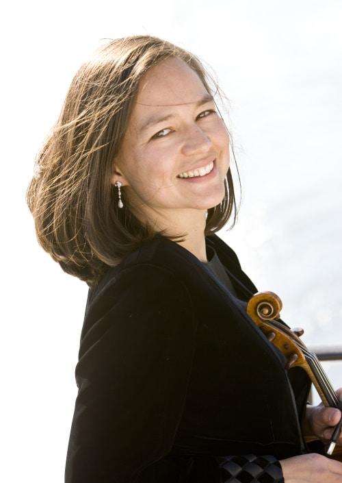 Elissa Lee Koljonen (Violine) (© Foto: J. Henry Fair)