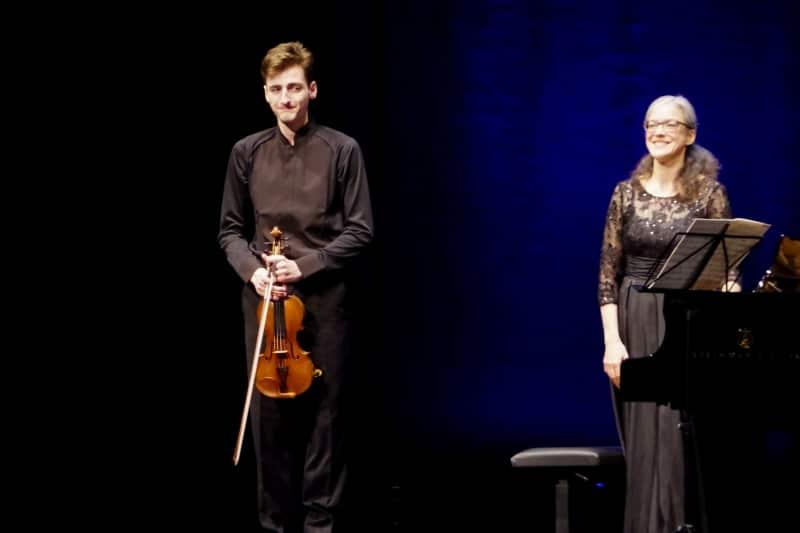 »Glückliche(r) Sieger«, 27.09.2019. Joshua Brown und Verena Louis (Foto: Christine Tröger)